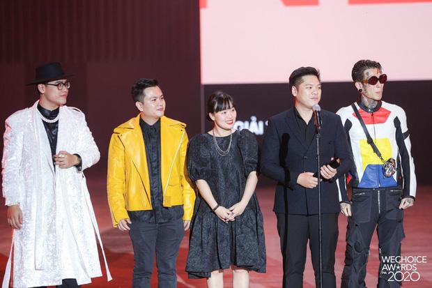 """Kết quả 6 hạng mục giải trí WeChoice Awards 2020: Thuỷ Tiên - MCK được xướng tên, bất ngờ nhất Jack và """"cuộc đua nghẹt thở"""" với Sơn Tùng - Ảnh 10."""