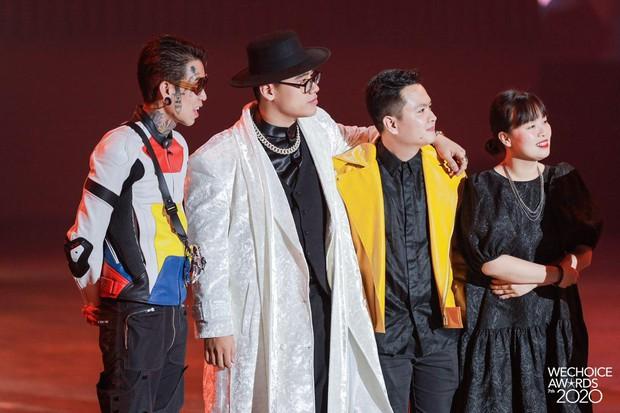 """Kết quả 6 hạng mục giải trí WeChoice Awards 2020: Thuỷ Tiên - MCK được xướng tên, bất ngờ nhất Jack và """"cuộc đua nghẹt thở"""" với Sơn Tùng - Ảnh 11."""