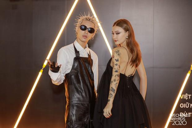 Dàn hot couple sánh vai tại Gala WeChoice Awards: Linh Rin - Phillip Nguyễn trông như vợ chồng son, Wean - Naomi bao ngầu - Ảnh 3.