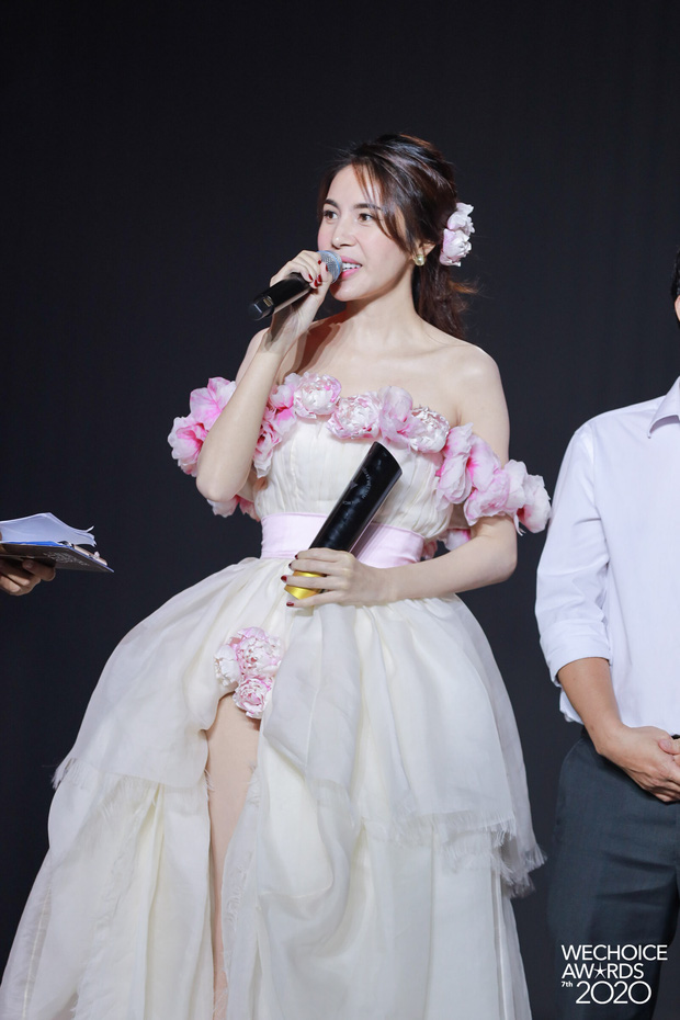 Thủy Tiên - nghệ sĩ có hoạt động nổi bật tại WeChoice Awards và hành trình năm 2020 đầy cảm hứng - Ảnh 3.