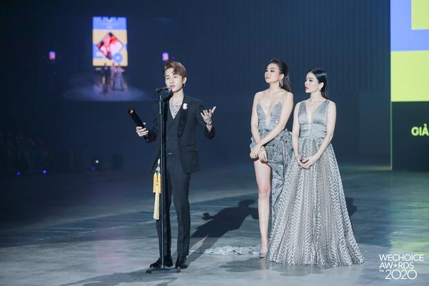 Gala WeChoice 2020 biến thành đại hội đọ sắc của dàn mỹ nhân Vbiz: Ngọc Trinh - Chi Pu sexy nghẹt thở, Đỗ Thị Hà xinh xỉu giữa dàn hậu - Ảnh 12.