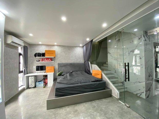 Thanh niên 23 tuổi xây nhà 5 tầng cho bố mẹ, phòng đồ hiệu cực mê, bóc giá full nội thất muốn xỉu - Ảnh 7.