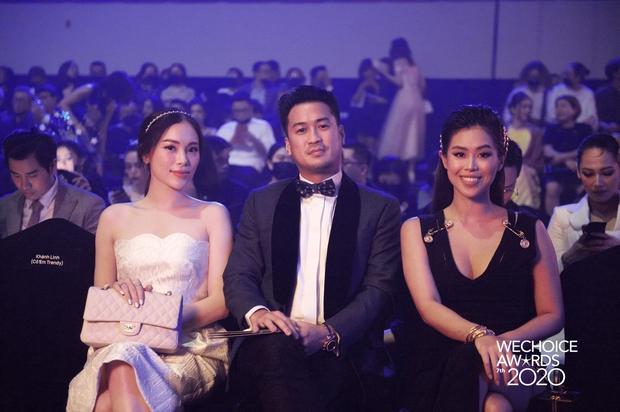 Phillip Nguyễn - Linh Rin dính nhau như sam tại Gala WeChoice, cặp đôi vàng làng thích ôm là đây! - Ảnh 3.
