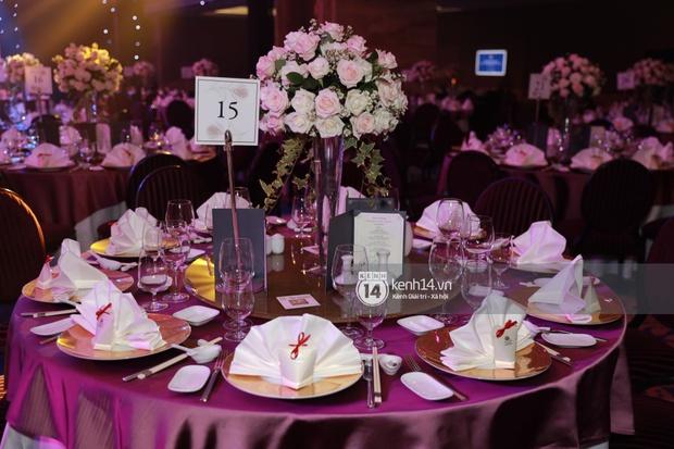 Cập nhật đám cưới Á hậu Thuý An tại TP.HCM: Cô dâu lộ diện cực xinh, Tiểu Vy cùng dàn khách mời mỹ nhân Vbiz đang đổ bộ  - Ảnh 23.