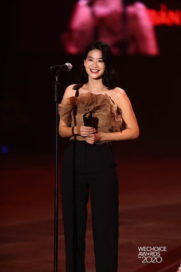 Bản lĩnh đương đầu tại WeChoice Awards 2020 gọi tên Đặng Thuỳ Trang của Ru9: Khi tấm lòng tốt đẹp toả sáng! - Ảnh 2.