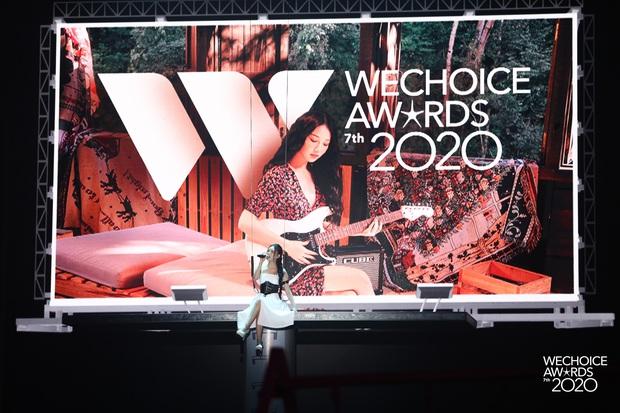 Nhìn lại WeChoice Awards 2020: quá nhiều cảm xúc, những màn kết hợp có 1-0-2, mọi ý tưởng điên rồ và diệu kỳ đều thành hiện thực - Ảnh 18.