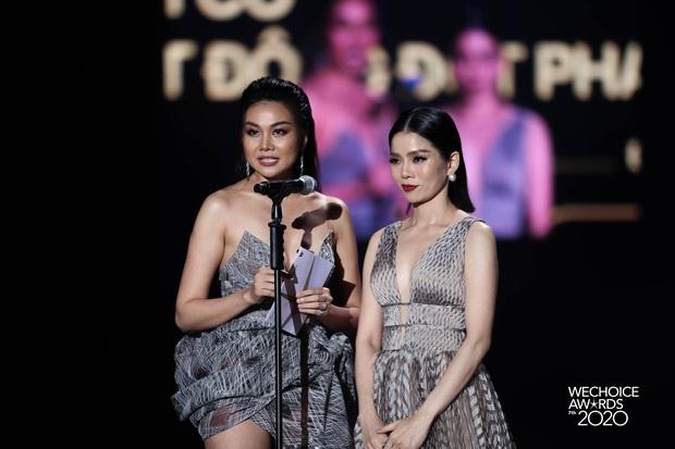 Khoảnh khắc đáng yêu: Hai chị đại showbiz Lệ Quyên - Thanh Hằng quẩy cực sung theo bản rap của bộ tứ rapper tại Gala WeChoice - Ảnh 4.