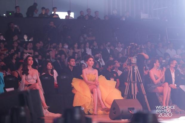 Gala WeChoice 2020 biến thành đại hội đọ sắc của dàn mỹ nhân Vbiz: Ngọc Trinh - Chi Pu sexy nghẹt thở, Đỗ Thị Hà xinh xỉu giữa dàn hậu - Ảnh 8.