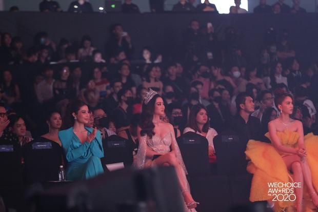 Gala WeChoice 2020 biến thành đại hội đọ sắc của dàn mỹ nhân Vbiz: Ngọc Trinh - Chi Pu sexy nghẹt thở, Đỗ Thị Hà xinh xỉu giữa dàn hậu - Ảnh 7.