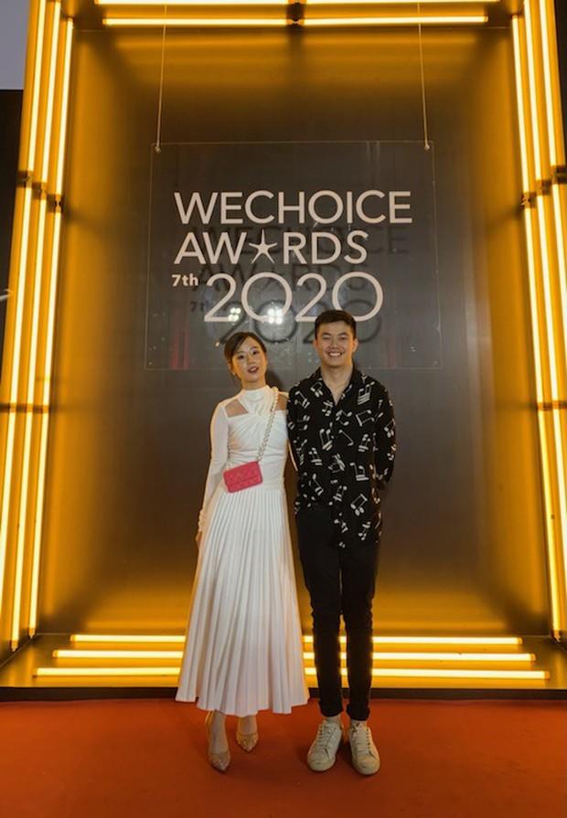 Dàn hot couple sánh vai tại Gala WeChoice Awards: Linh Rin - Phillip Nguyễn trông như vợ chồng son, Wean - Naomi bao ngầu - Ảnh 8.