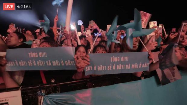 Sơn Tùng lộ diện giữa biến trà xanh: Dân tình phân tích biểu cảm gây chú ý, FC cổ vũ cực sung Tùng ơi, Sky ở đây - Ảnh 5.