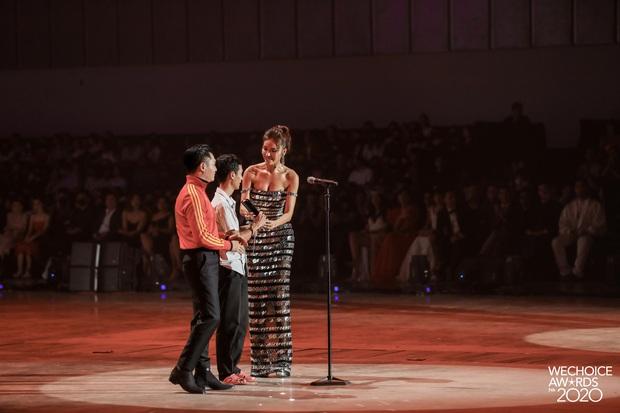 Kết thúc cuộc so kè nảy lửa tại hạng mục Hot YouTuber của năm, Lâm Vlog thắng Thiên An Official với số vote sát nút! - Ảnh 2.