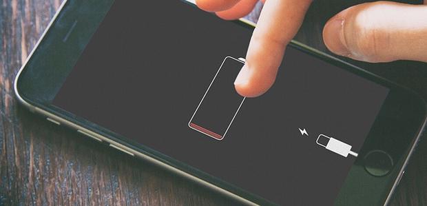 Phải làm gì nếu iPhone của bạn sạc không vào điện? Đừng vội thay pin vì có thể điều đó chẳng giải quyết được vấn đề! - Ảnh 1.