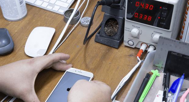 Phải làm gì nếu iPhone của bạn sạc không vào điện? Đừng vội thay pin vì có thể điều đó chẳng giải quyết được vấn đề! - Ảnh 3.