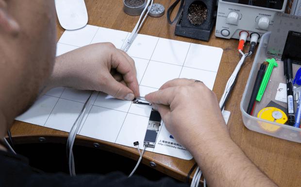 Phải làm gì nếu iPhone của bạn sạc không vào điện? Đừng vội thay pin vì có thể điều đó chẳng giải quyết được vấn đề! - Ảnh 4.