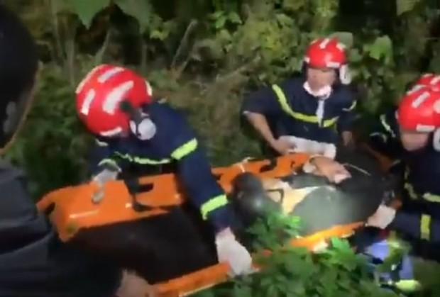 Đi xe tay ga lên bán đảo Sơn Trà, nam thanh niên gặp nạn văng xuống vực sâu - Ảnh 1.