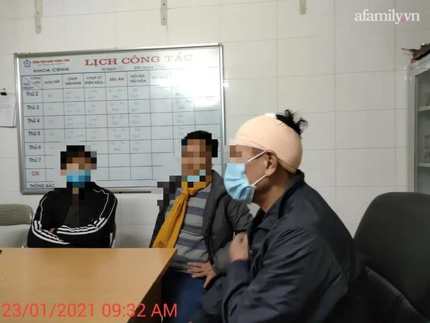 Hà Nội: Bảo vệ chung cư bị đánh chảy máu đầu vì 40.000 đồng tiền vé vào cửa - Ảnh 2.