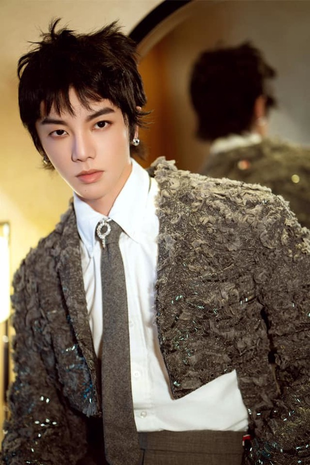 Hoa Thần Vũ lần đầu lộ diện sau scandal có con riêng với bạn thân Triệu Lệ Dĩnh, thái độ gây chú ý lớn - Ảnh 6.