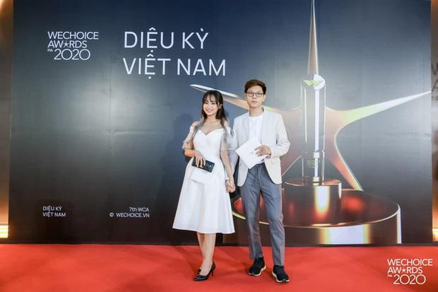 Thảm đỏ WeChoice Awards 2020 xuất hiện vũ trụ game thủ/ streamer Việt, ai cũng xinh đẹp lịch lãm đến bất ngờ - Ảnh 15.