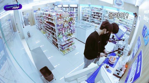 Em trai BLACKPINK hé lộ trụ sở mới siêu sang của YG: Căng tin, phòng tập khổng lồ chưa sốc bằng hành lang đủ lớn để quay MV! - Ảnh 19.