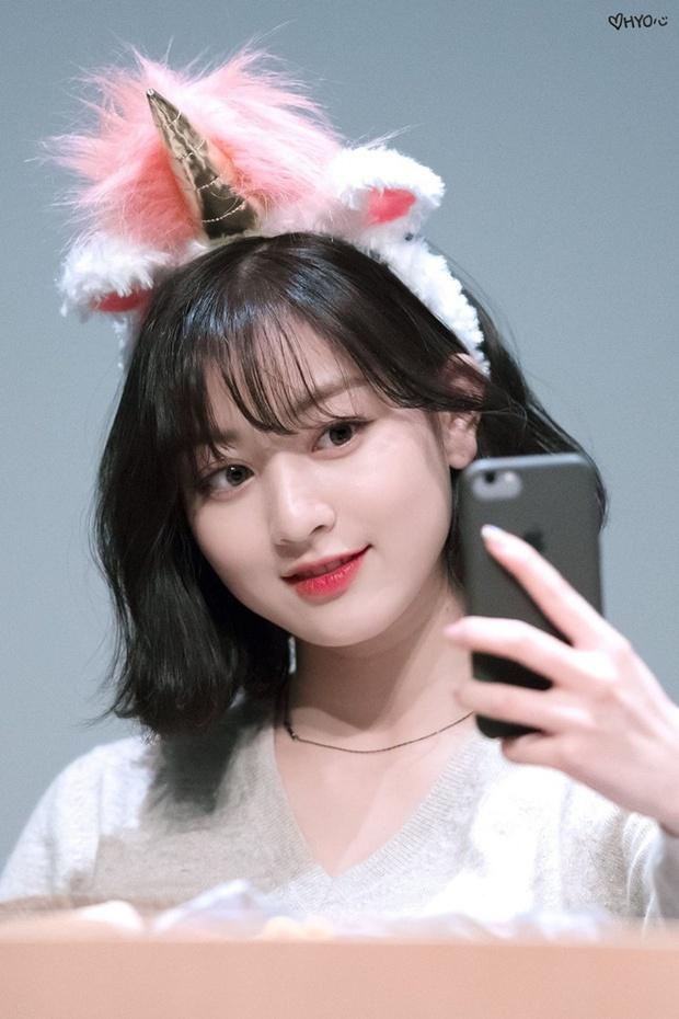 Trưởng nhóm Twice khiến dân tình tranh cãi khi để tóc bob: Visual thăng hạng đến độ từng lấn át cả Sana? - Ảnh 1.