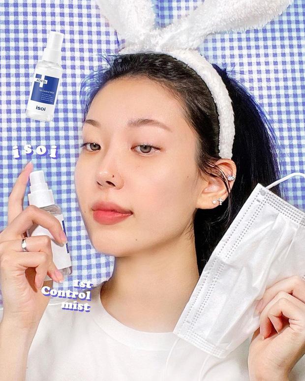 Khi rửa mặt bạn cứ áp dụng 4 tips này thì đến Tết da sẽ mịn căng, lỗ chân lông cũng nhỏ hẳn - Ảnh 2.