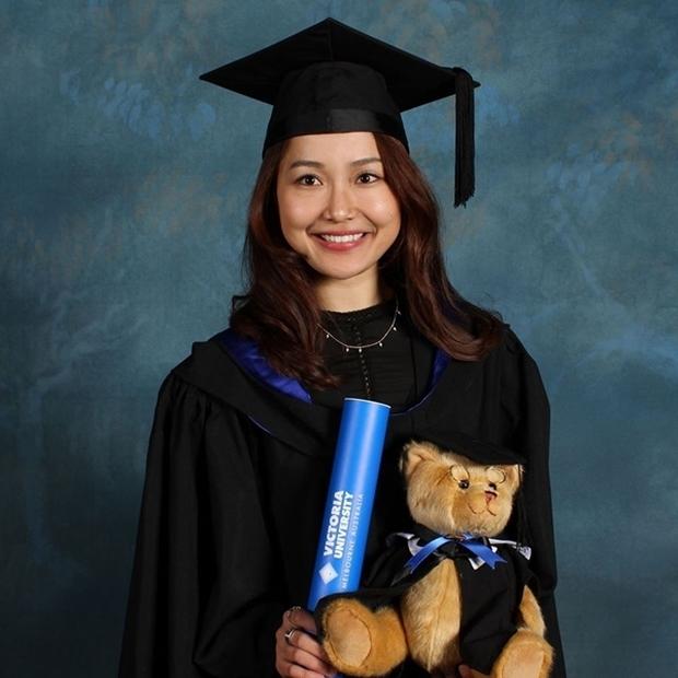 Nhỏ Hạnh trong Kính Vạn Hoa sau 16 năm: Nhận học bổng khi đang đóng phim, đi du học, giờ làm cô giáo xinh hack tuổi - Ảnh 4.