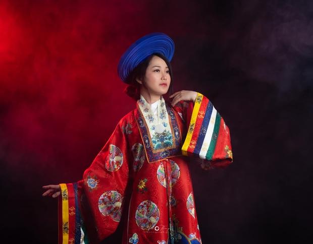 Nhỏ Hạnh trong Kính Vạn Hoa sau 16 năm: Nhận học bổng khi đang đóng phim, đi du học, giờ làm cô giáo xinh hack tuổi - Ảnh 3.