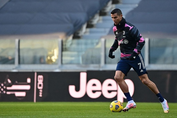 Ronaldo kiến tạo đưa Juventus trở lại top 4 Serie A - Ảnh 1.