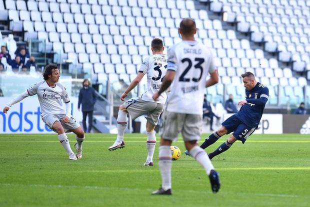 Ronaldo kiến tạo đưa Juventus trở lại top 4 Serie A - Ảnh 5.