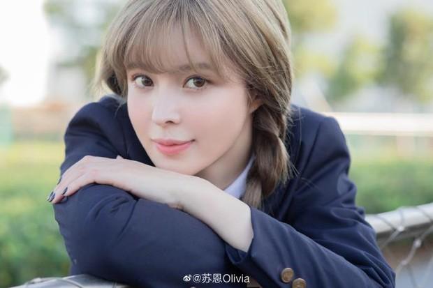 Ở biệt thự xa xỉ, sắm đồ hiệu đắt tiền vẫn than thở nghèo khó, nữ streamer bị netizen bất ngờ phản dame - Ảnh 6.