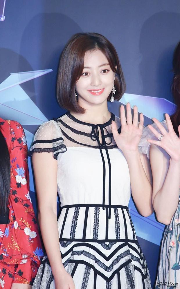 Trưởng nhóm Twice khiến dân tình tranh cãi khi để tóc bob: Visual thăng hạng đến độ từng lấn át cả Sana? - Ảnh 8.