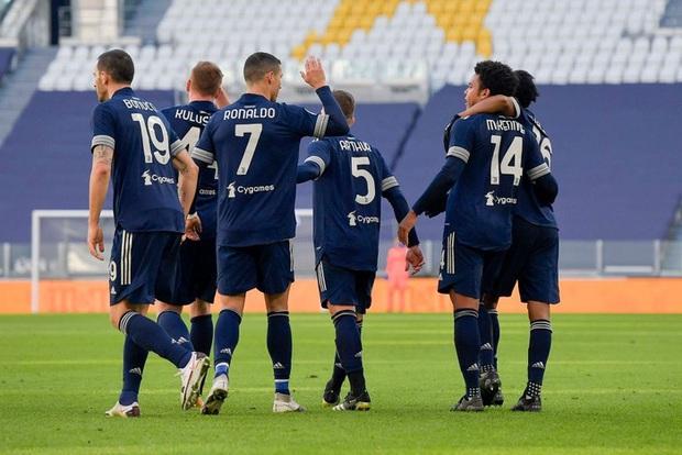 Ronaldo kiến tạo đưa Juventus trở lại top 4 Serie A - Ảnh 9.