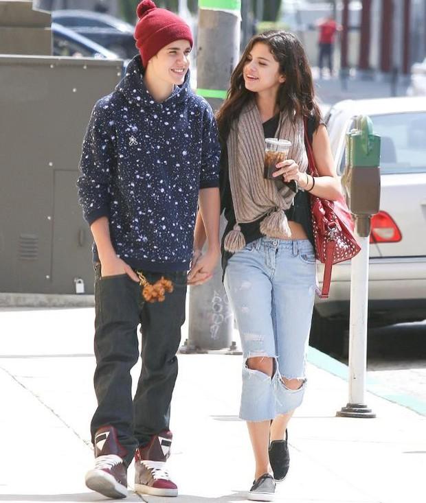 Thiều Bảo Trâm và Selena Gomez: 8 năm thanh xuân với những chàng trai trong mộng, Sơn Tùng hay Justin Bieber đều đã là quá khứ! - Ảnh 6.