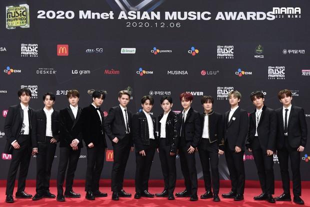 Thấy YG và Mnet có dấu hiệu làm lành, Knet hóng dàn idol xuất hiện tại lễ trao giải cuối năm và khẳng định: MAMA thật trống vắng khi thiếu YG - Ảnh 3.