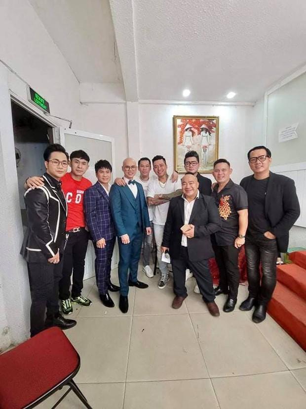Ấm lòng tình nghệ sĩ: Tuấn Hưng và dàn sao Vbiz cùng góp mặt trong đêm nhạc gây quỹ cho 3 con cố ca sĩ Vân Quang Long! - Ảnh 3.