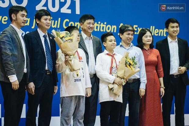 2 nam sinh lớp 6 giành HCV Olympic Toán và Khoa học quốc tế - Ảnh 3.