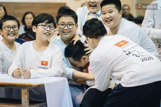 2 nam sinh lớp 6 giành HCV Olympic Toán và Khoa học quốc tế - Ảnh 12.