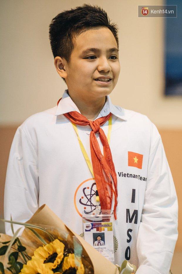 2 nam sinh lớp 6 giành HCV Olympic Toán và Khoa học quốc tế - Ảnh 9.