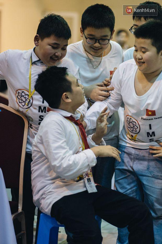 2 nam sinh lớp 6 giành HCV Olympic Toán và Khoa học quốc tế - Ảnh 16.