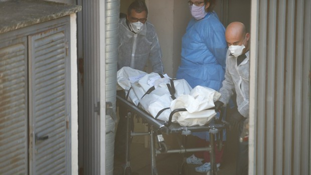 Chôn cất 9 ngày, người phụ nữ đã chết đột ngột về nhà khiến người thân hoảng hốt, nguyên nhân sự việc gây phẫn nộ - Ảnh 1.