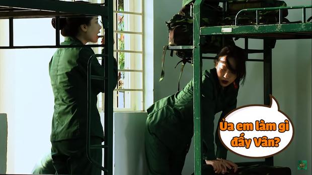Khánh Vân chuộc lỗi cực dễ thương với Diệu Nhi: Dùng tay không phủi bụi trên giường của đàn chị - Ảnh 1.