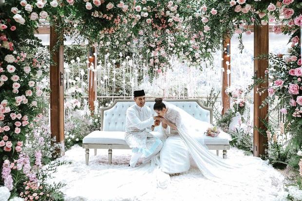 Tổ chức hôn lễ xa hoa bậc nhất năm 2018, ái nữ của đại gia giàu nhất Malaysia giờ có cuộc sống ra sao? - Ảnh 2.