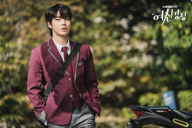 6 nam thần trẻ xứ Hàn lên hương năm 2020: Mê nhất cặp Song Kang - Lee Do Hyun đã có sắc còn dư thừa tài năng! - Ảnh 11.