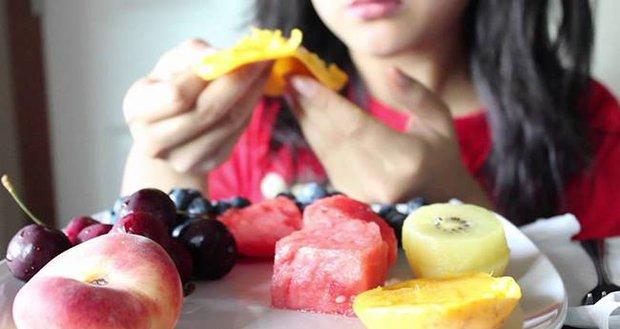 3 thói quen ăn sáng làm tổn thương dạ dày nghiêm trọng nhất, hơn nữa còn ảnh hưởng đến sức khỏe, khó hấp thụ dinh dưỡng - Ảnh 3.
