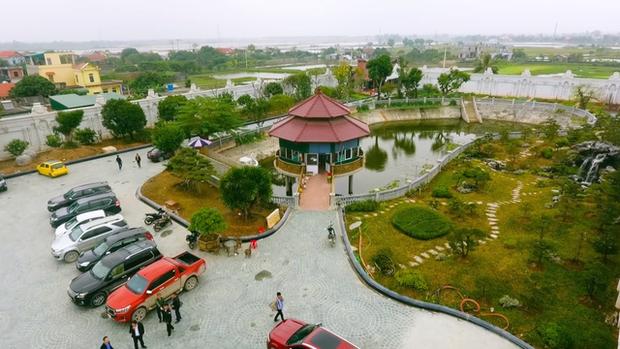 Cận cảnh lâu đài dát vàng của đại gia xi măng ở Ninh Bình: Xây thô hết 400 tỷ, nội thất đắt đến choáng ngợp - Ảnh 8.