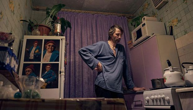 Chỉ nhờ 1 bộ ảnh, người đàn ông quét rác nghèo khổ bỗng chốc nổi tiếng khắp MXH, gây chú ý nhất là câu chuyện đời quá đỗi bi kịch - Ảnh 13.