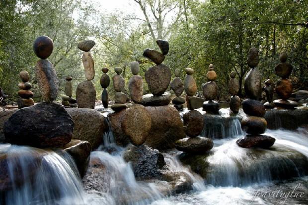 Nghệ thuật xếp đá thăng bằng: Phía sau trào lưu nghệ thuật tinh tế là hiểm họa to lớn không ai ngờ, càng không dễ dàng nhìn thấy ngay - Ảnh 7.