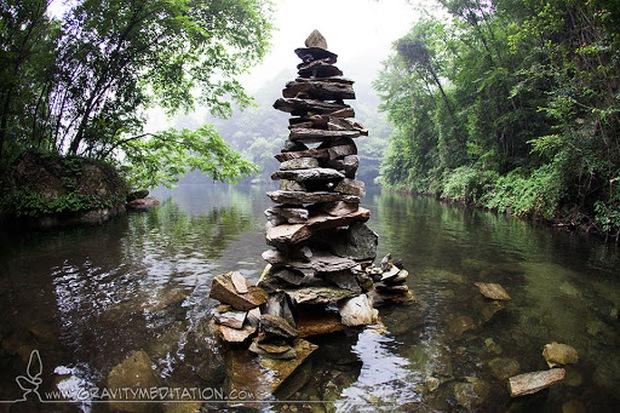 Nghệ thuật xếp đá thăng bằng: Phía sau trào lưu nghệ thuật tinh tế là hiểm họa to lớn không ai ngờ, càng không dễ dàng nhìn thấy ngay - Ảnh 9.