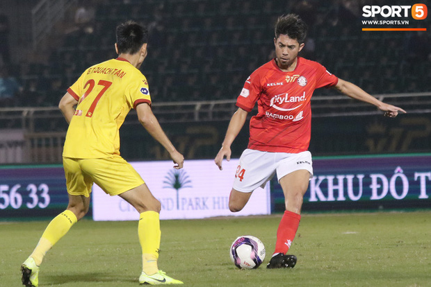 Cầu thủ Việt kiều Lee Nguyễn ra mắt chưa trọn vẹn - Ảnh 10.